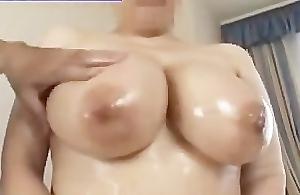 Chunky boobs oiling