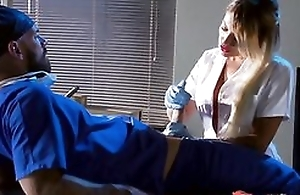 Whorish blonde attend to sucking and fucking doctor's hard bushwa