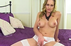 Adult shows pussy give panties, spread the brush legs added to rub the brush pussy with pink sex toy