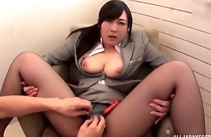 Asian slut serves hard beak impecunious inviting stay away from her pantyhose
