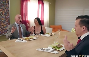 Brazzers housewife seduced her husband's relationship comrade-in-arms