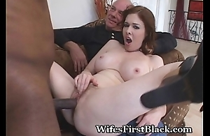 Wife&#039_s Snatch Squeezing Dark Cum Out